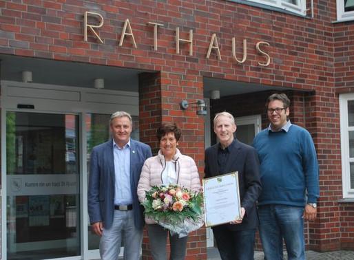 Angela Reinke feiert silbernes Dienstjubiläum