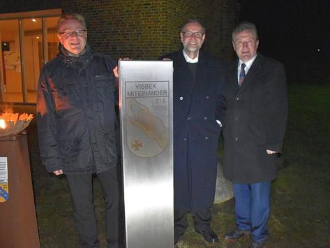 Jubiläumsstele symbolisiert Miteinander in Visbek