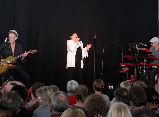 Ulla Meinecke Band gibt Konzert im Rathaus der Gemeinde Visbek