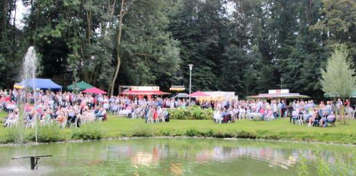 Erstes Visbeker Sommerkonzert des Kulturkreises Visbek mit der Big Band Bösel