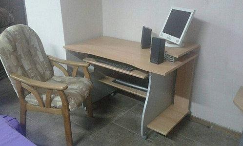 Компьютерный стол (Германия)