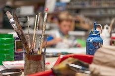 Auch die Kunst kommt bei uns nicht zu kurz! Malen, Zeichnen, Basteln und modelieren machen nicht nur den ganz kleinen Spass!