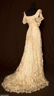 Vestido de novia amarillento