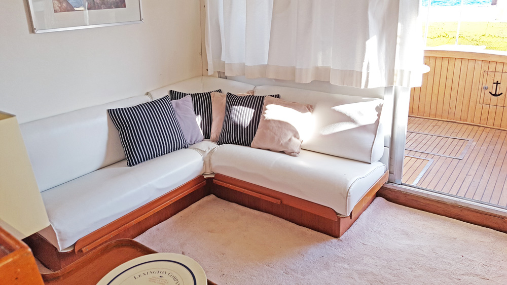 MY1 interior - lounge