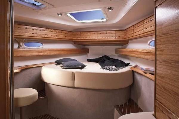 SY3 cabin Bavaria 50