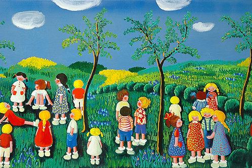 Tanti bambini in giardino