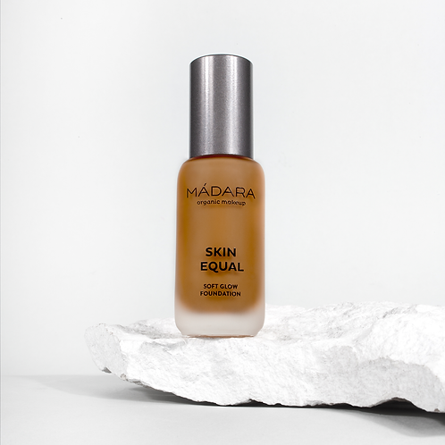 Mádara Skin Equal foundation - 80 Fudge