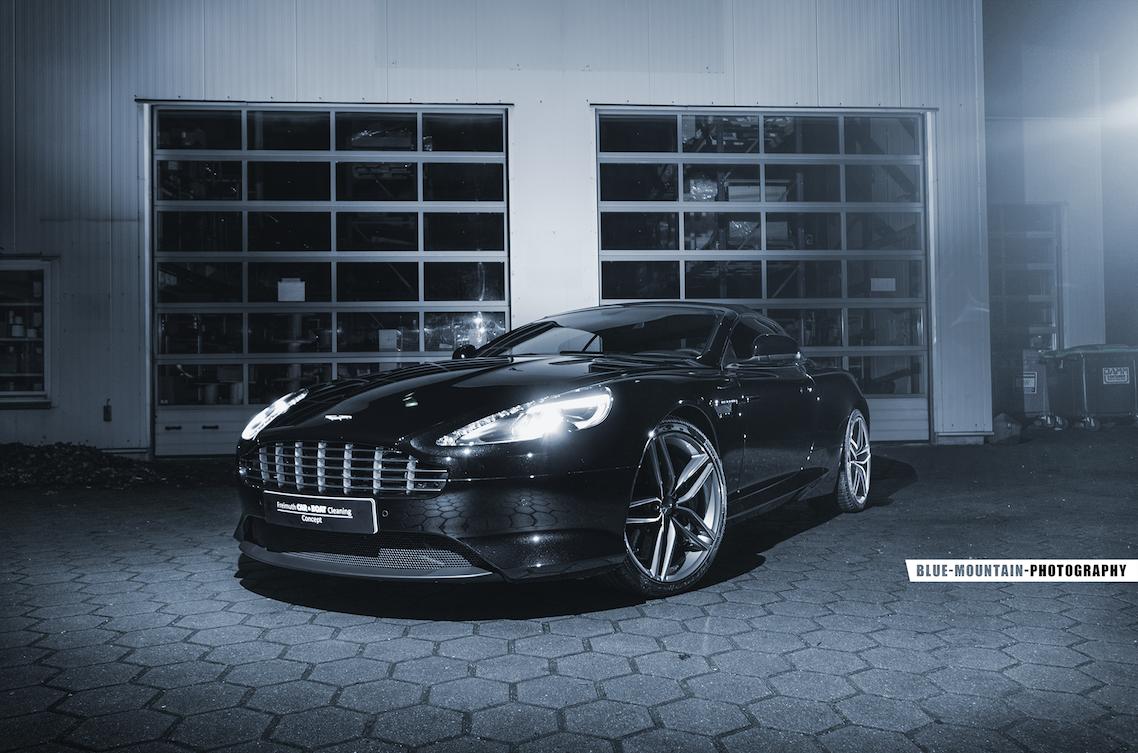 Aston-Martin-DB9 2