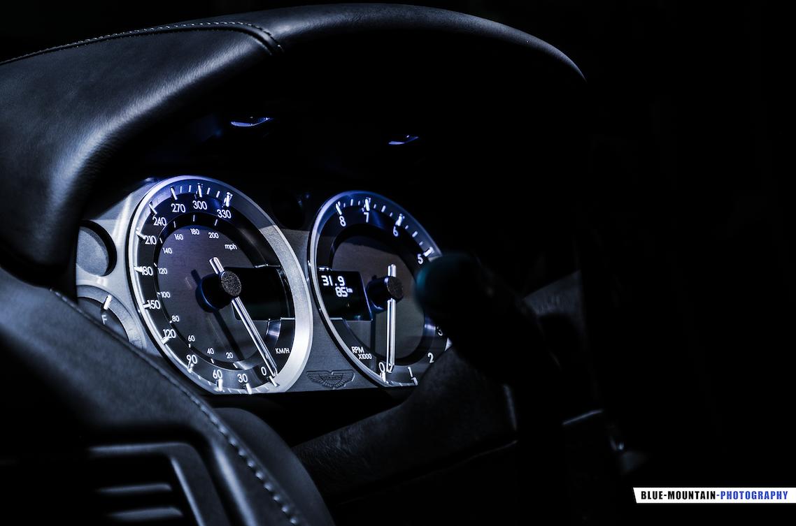 Aston-Martin-DB9 7