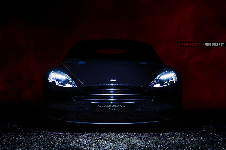 Aston-MartinDB9 5