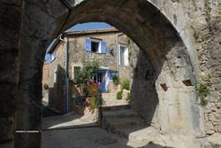 Aqueduc_montée_du_moulin.jpg