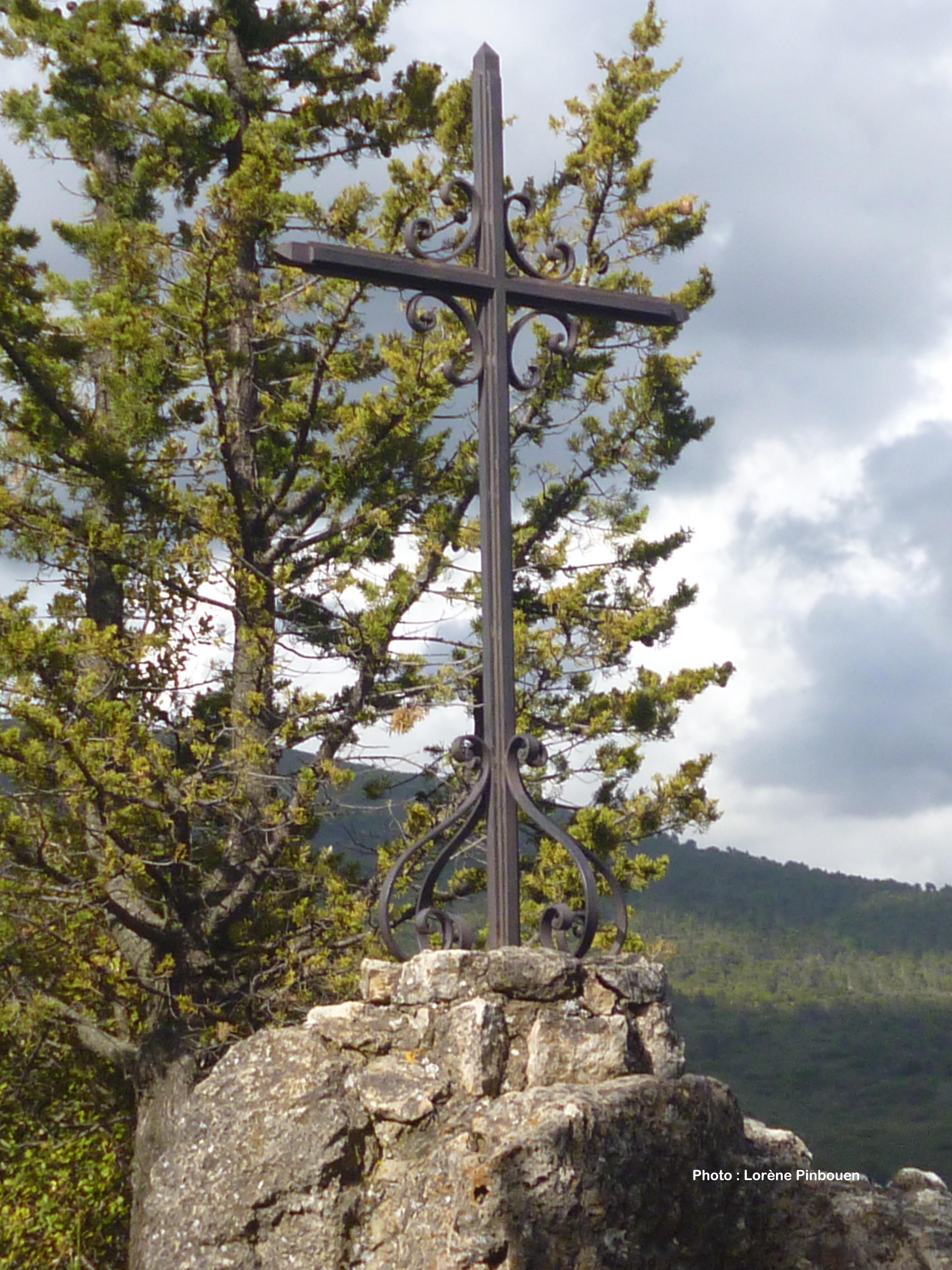 4 Croix du chemin de croix.jpg