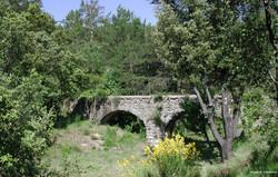 Aqueduc du Claret
