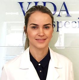 Dra. Perla Meneses, medicina estética en Vigo