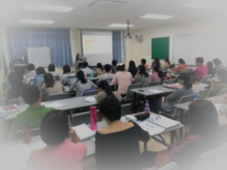 Li Laoshi sharing her findings