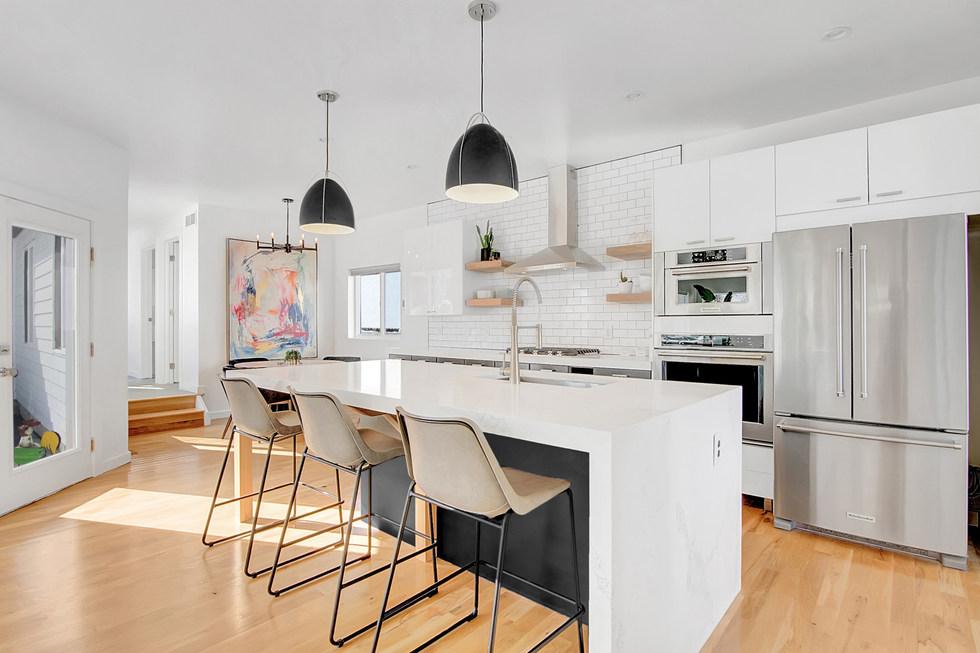 3208Scott-LibbyLevinson-Living-Kitchen6.