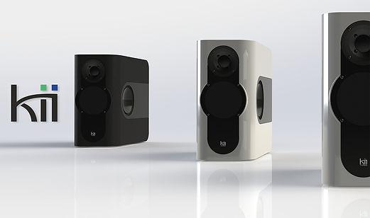 Les Kii Three sont proposées en deux couleurs standards.