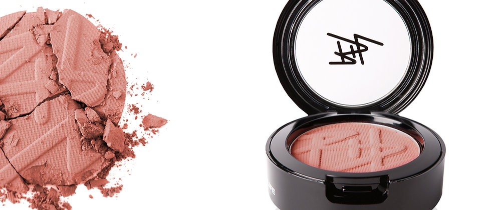 powder blush close up 20 w-c
