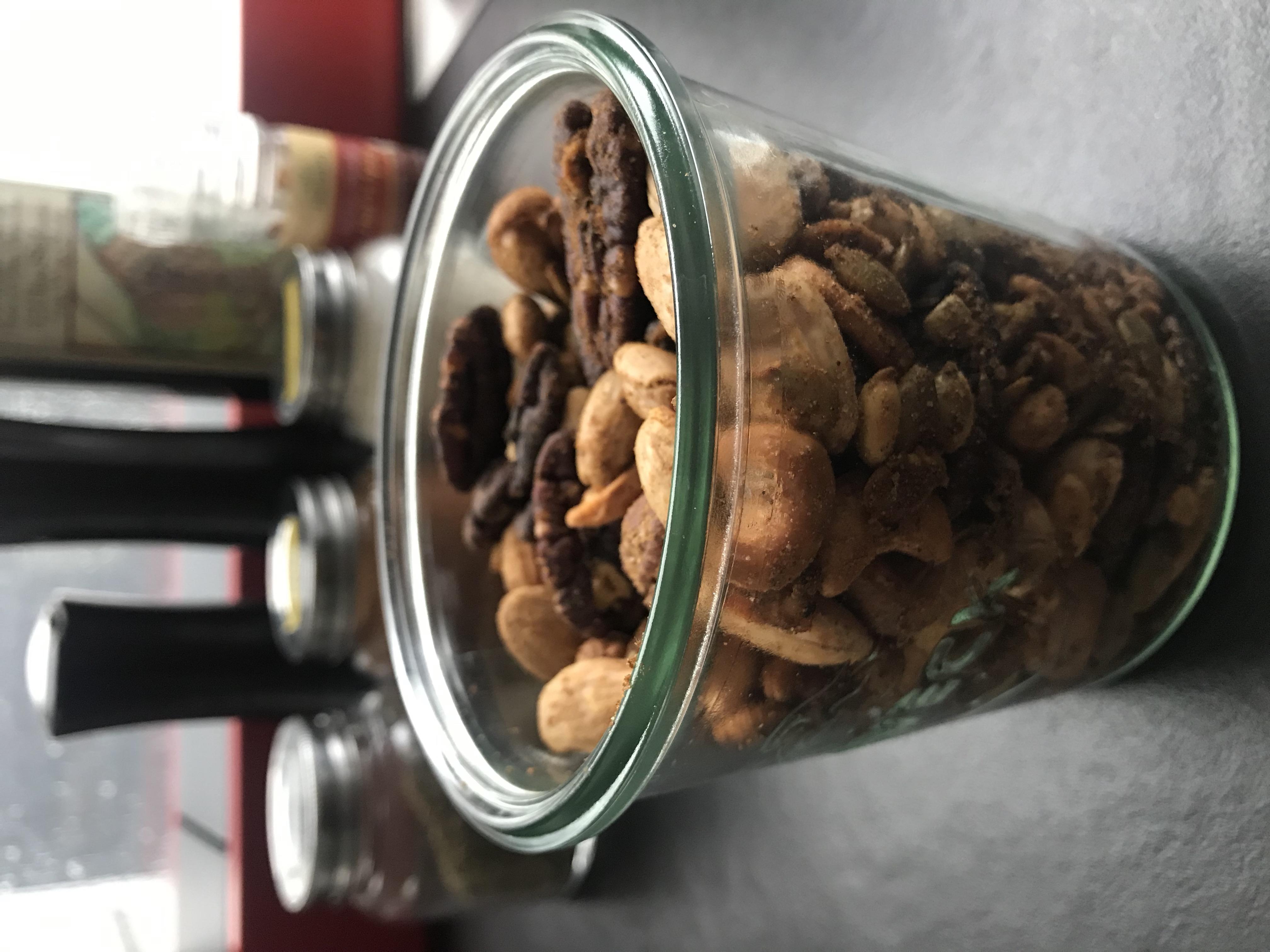 bewaar de noten in een bokaal of luchtdichte doos