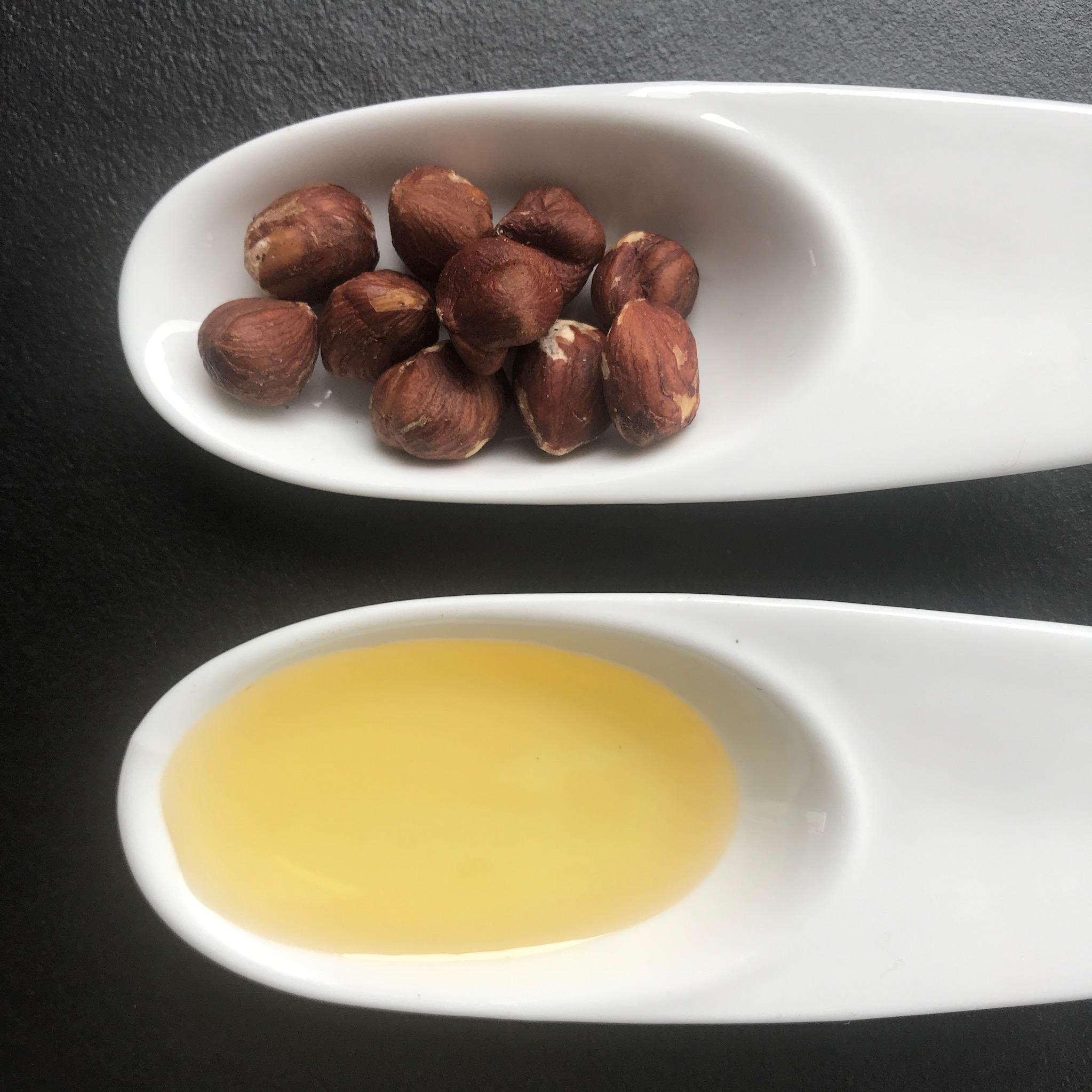 hazelnoten en hazelnootolie