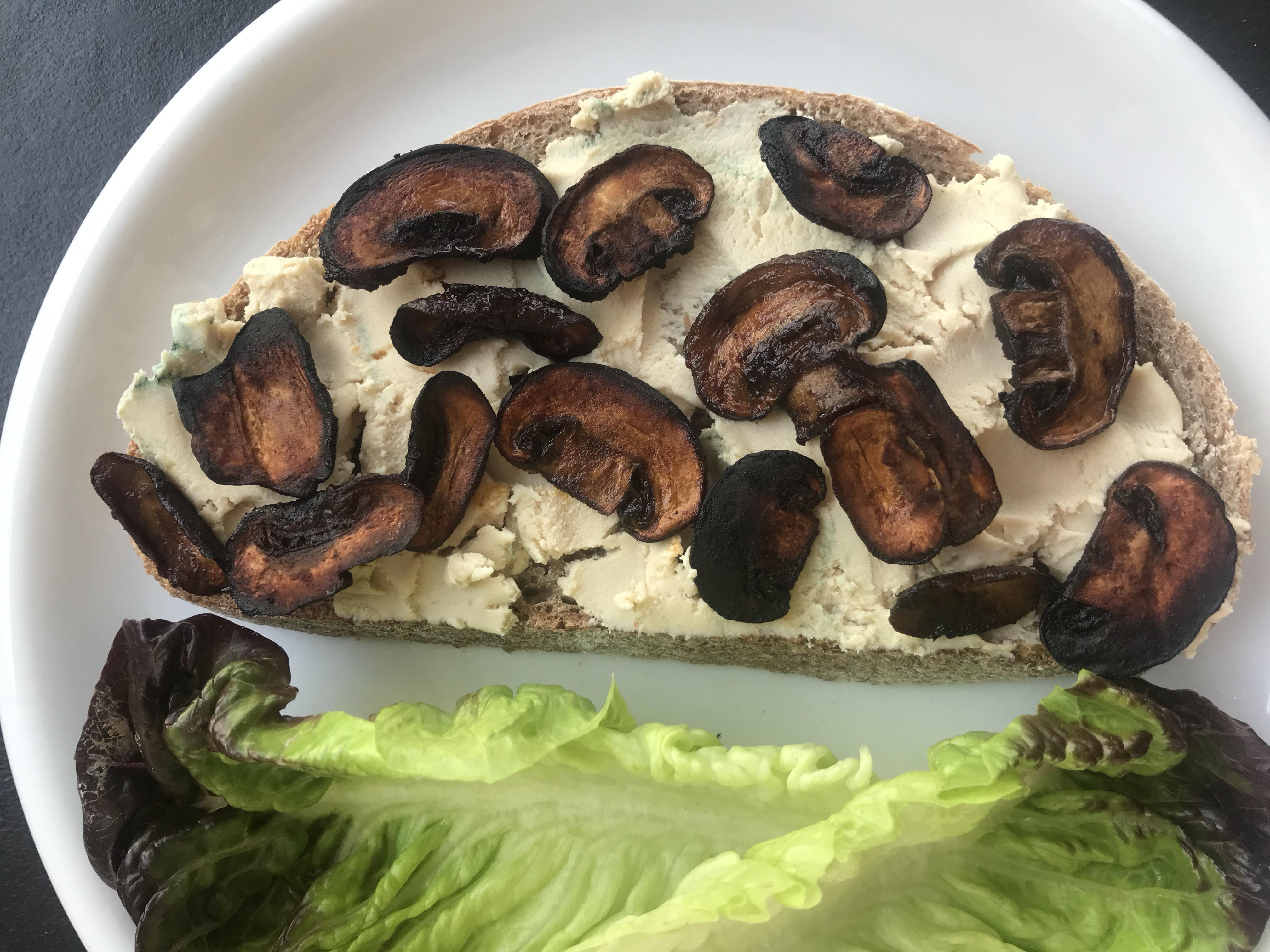 ook lekker met droog gebakken champignon 'spekjes'