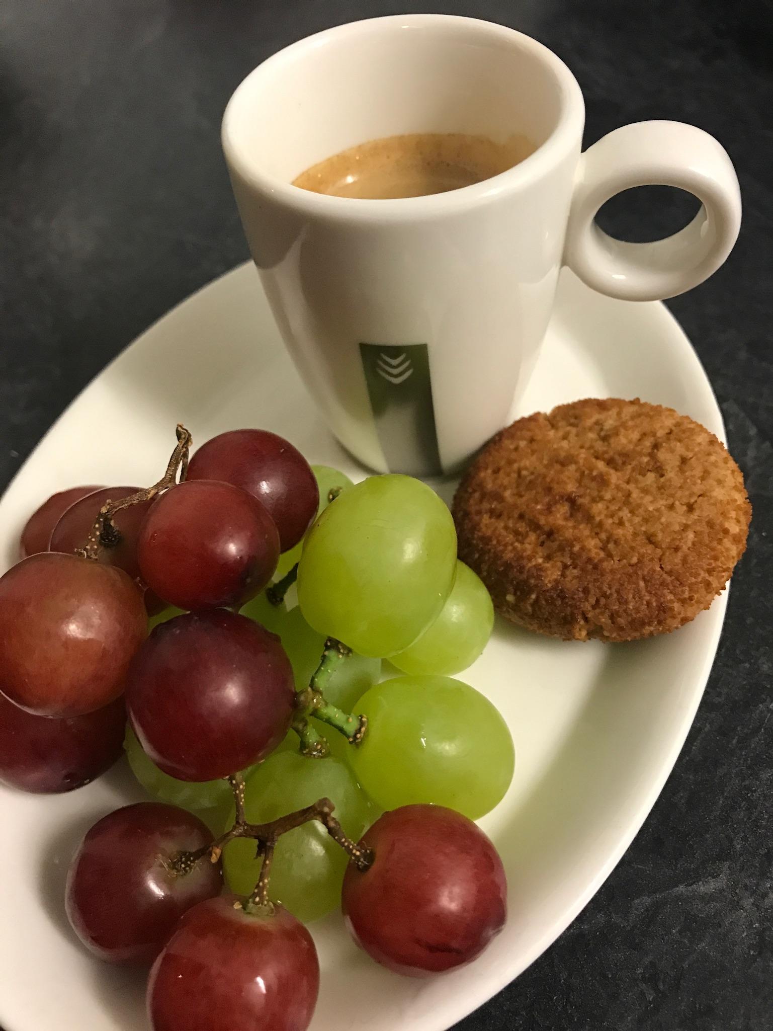 koffie, koekjes en fruit