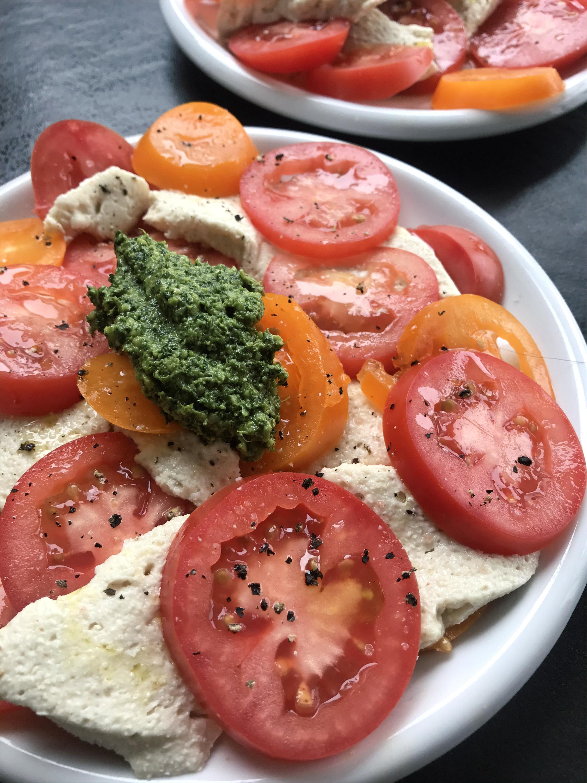 insalata caprese veganised