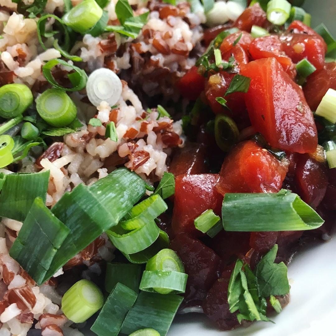 poke bowl met wilde rijst