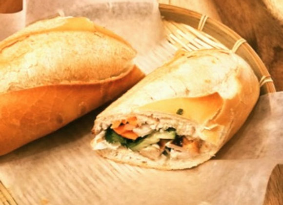 Chicken skewers sandwich