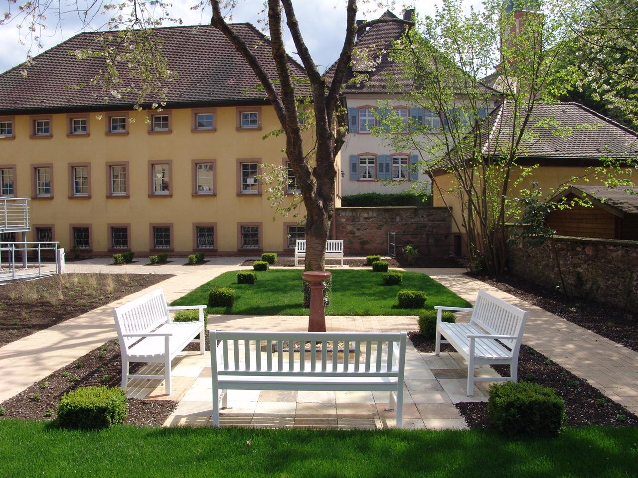 Gartengestaltung in Anlehnung an Kloster