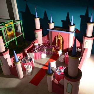 castello scenografia ludoteca (9).jpg