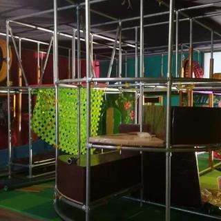 installazione playground ludoteca (9)-mi