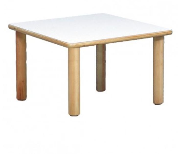 tavolo quadrato.jpg
