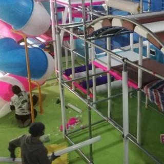 installazione playground ludoteca (3)-mi