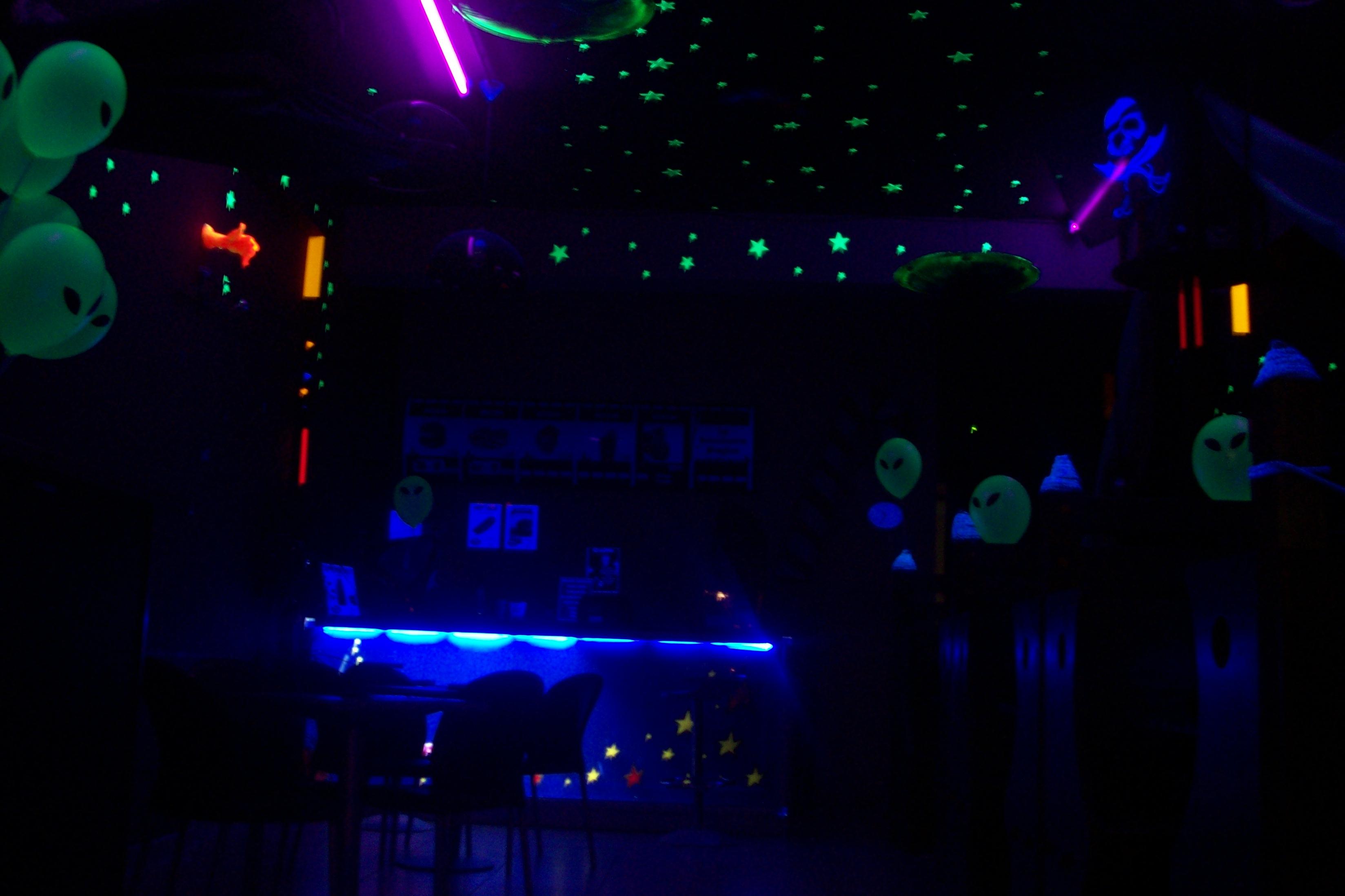 GlowUfo 007.jpg