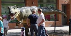 dinosauro animatronico.jpg