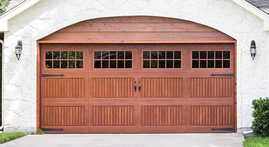 fibreglass-garage-door-9800 faux wood facade