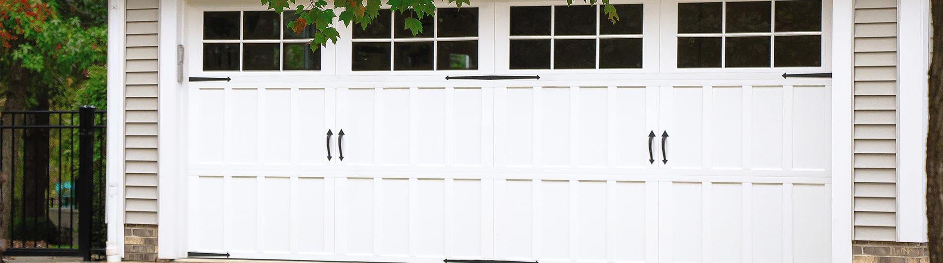 9700-CH-Garage-Door-OakPark-White-24Wind