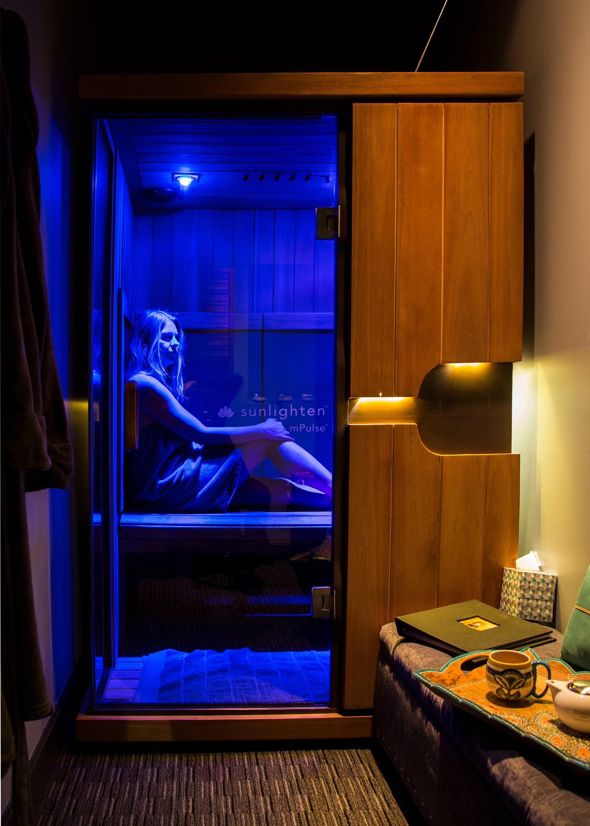 40 min. Infrared Sauna Session + Tea