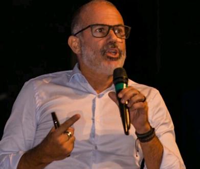 André Castro é palestrante transformando vidas com palestras de motivação e superação