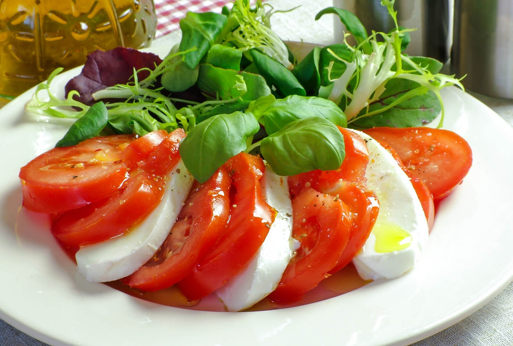 Tomate Mozzarella à l'huile de chanvre.