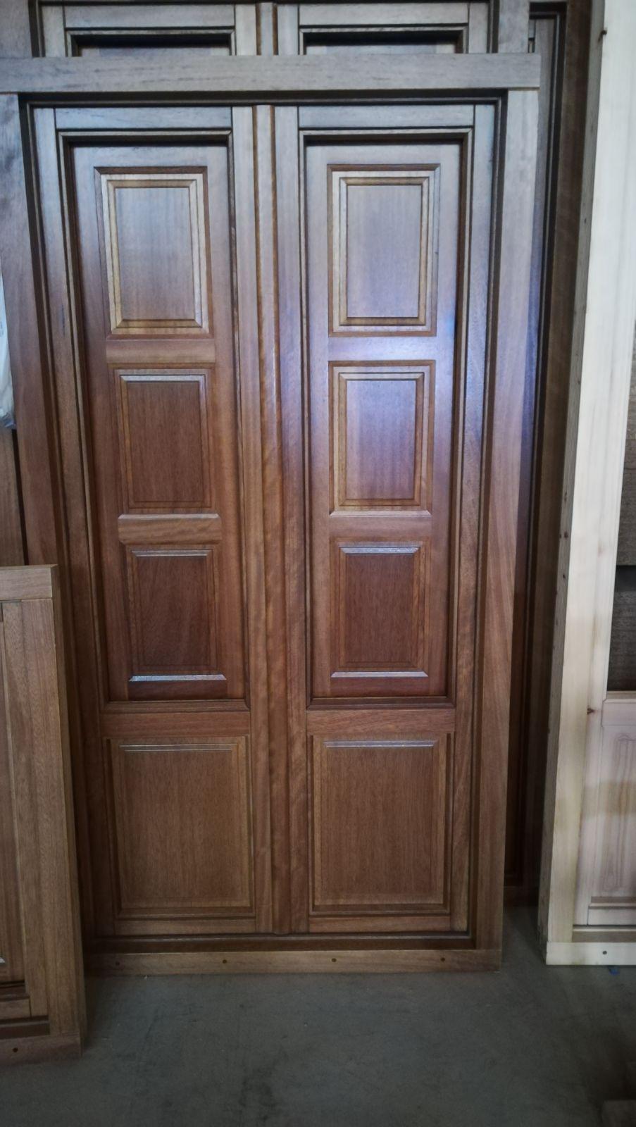 Fábrica de puertas de madera