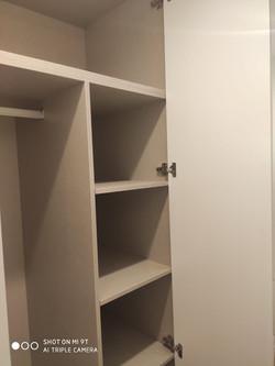 estanteria madera blanca armario empotra