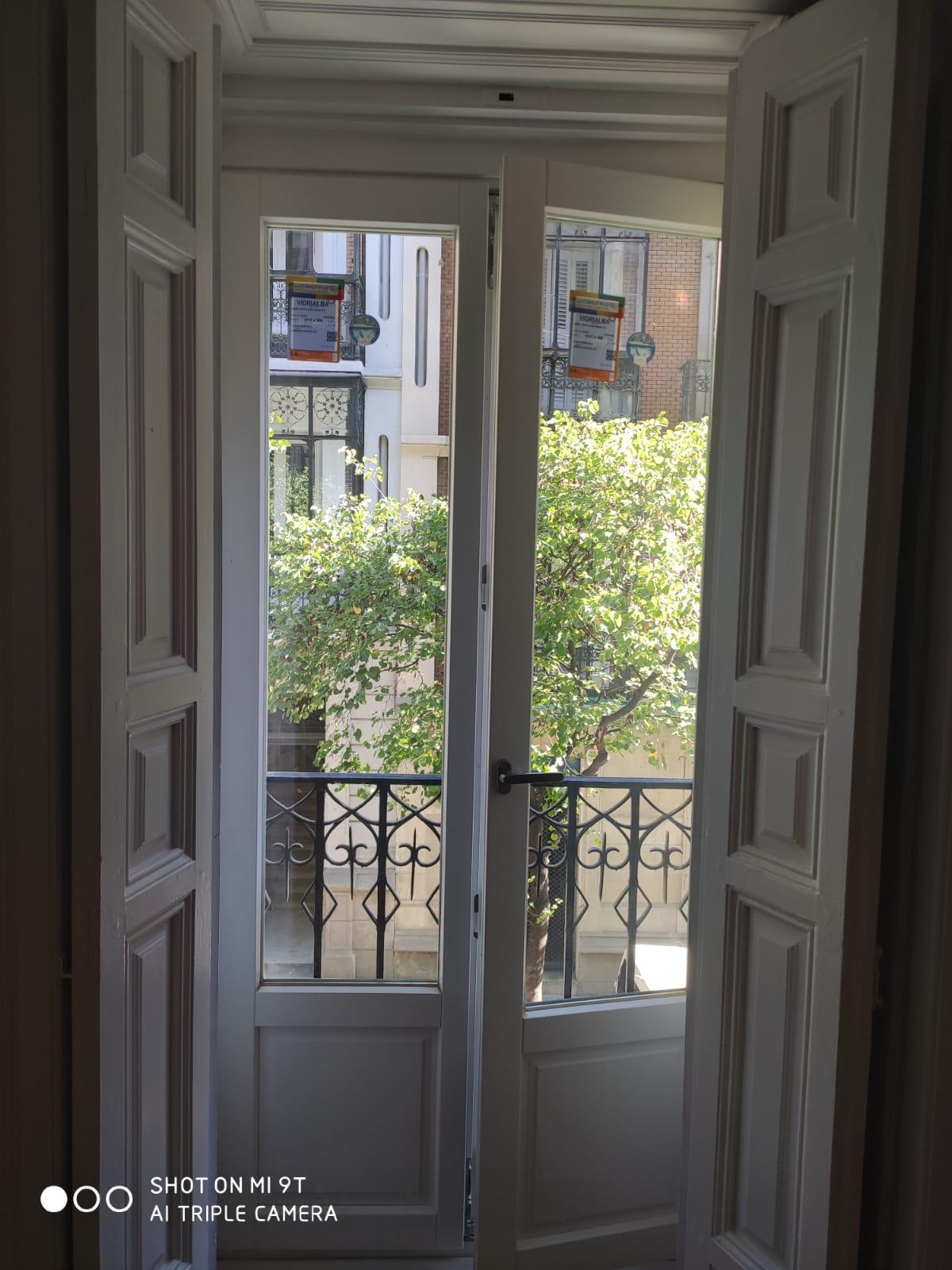 puerta_blanca_puertas_y_ventan