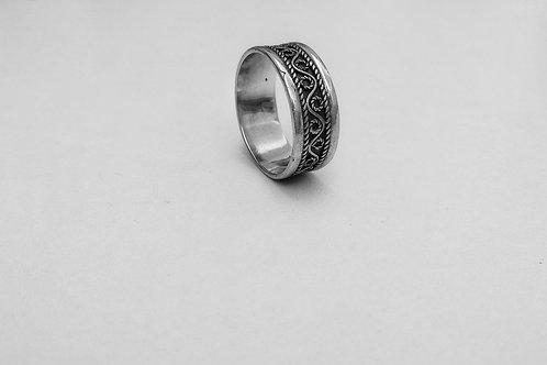 Этническое серебряное кольцо