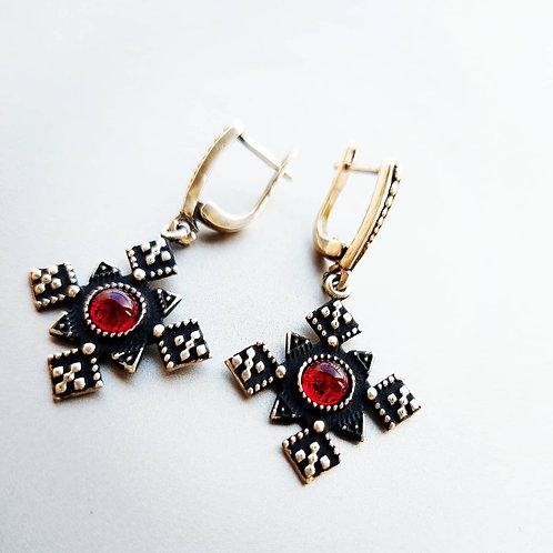 Silver cross earrings with garnet