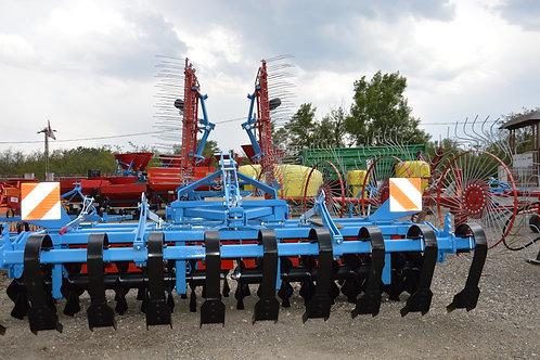 Frontfüggesztéses talajelmunkáló - Grinder 300