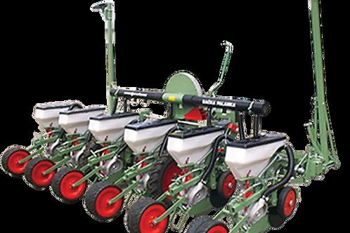 6 soros tárcsás vetőgép,hidraulikus kerettel