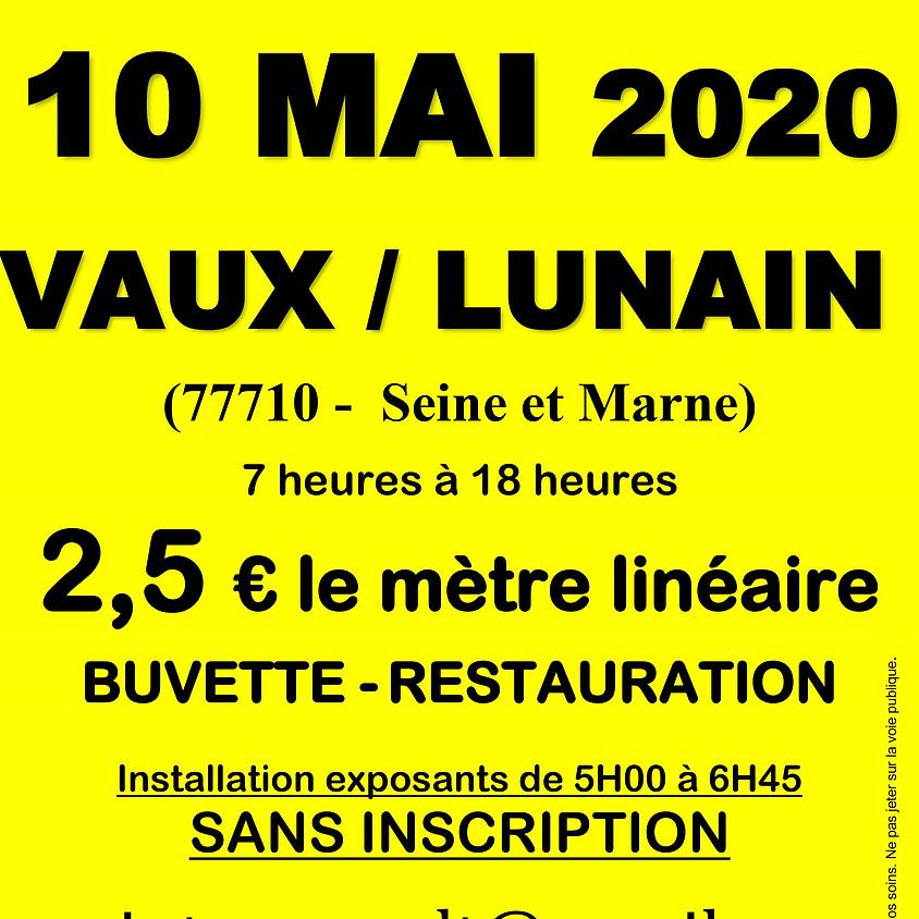 Vide grenier à Vaux-sur-Lunain