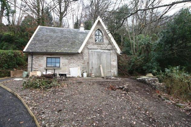 Finishing Up - Scottish 'Gig' House